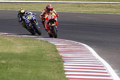 """Rossi juge la chute de Márquez - """"Avec lui, c'est tout ou rien"""""""