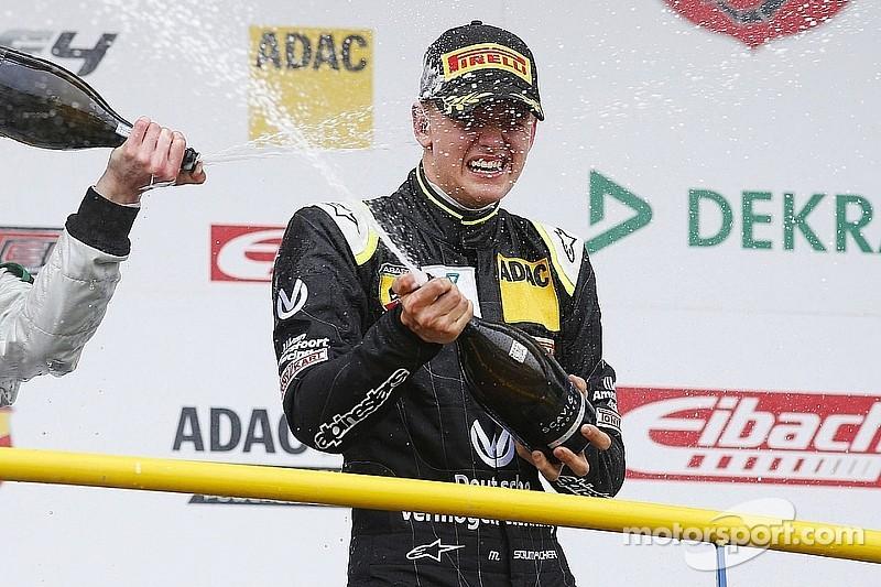 Мик Шумахер одержал первую победу в Формулах