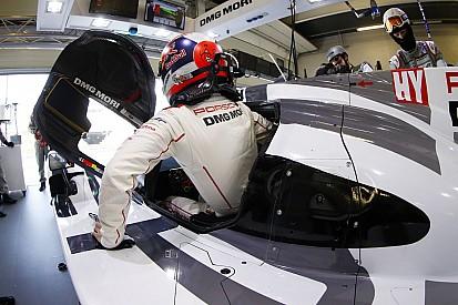 Porsche tops wet opening Spa practice