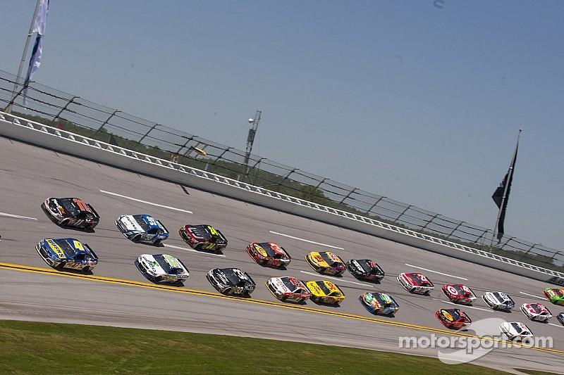 NASCAR considera acortar sus carreras