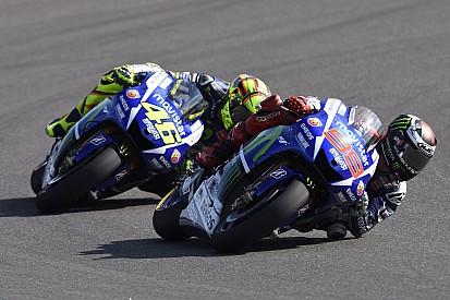 Profile bas à Jerez pour Valentino Rossi qui attend la course