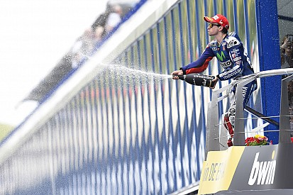 Lorenzo sabe que el trabajo duro lo llevó al podio