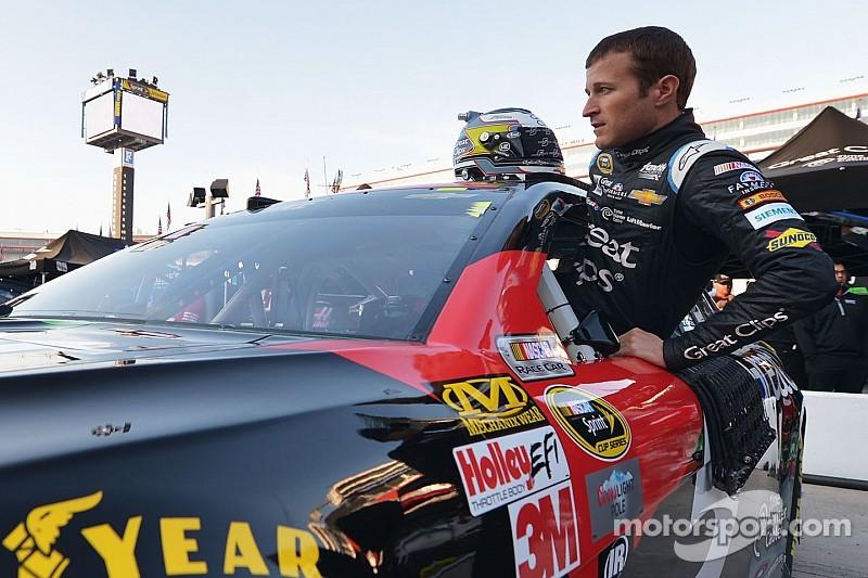 Kahne regresa a la NASCAR Trucks