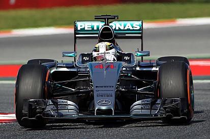 Hamilton strikes back, Vettel splits Mercedes duo in FP2