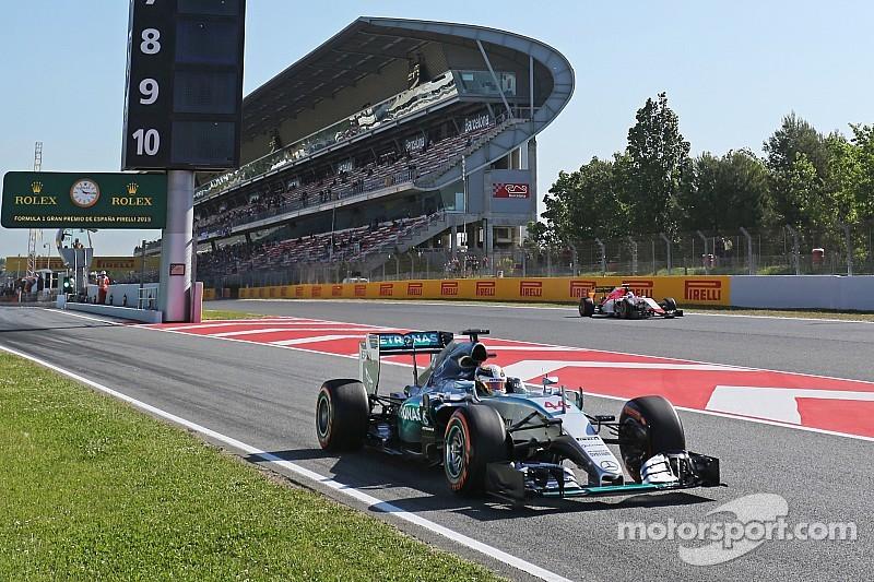 Hamilton golpeó en la P2 y Vettel fue segundo