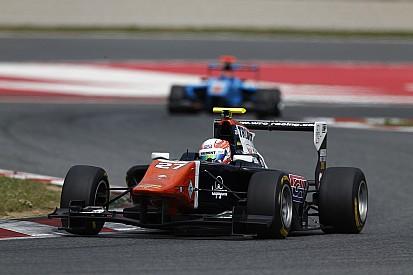 Luca Ghiotto premier poleman à Barcelone, Ocon deuxième