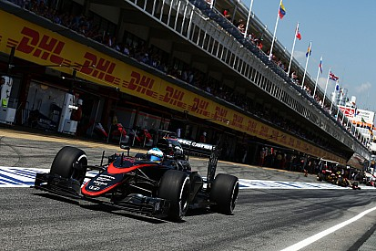 Both McLaren cars gets into Q2 for the first time this year