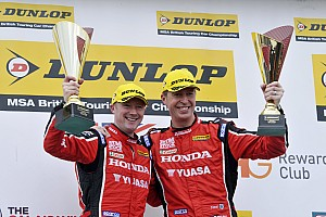 BTCC Race report Shedden leads home Honda 1-2 in Thruxton opener