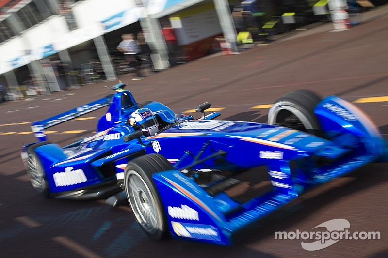 Amlin Aguri recruits F1 business guru