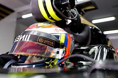 Após incidente, Lotus pede cautela a pilotos em futuras disputas