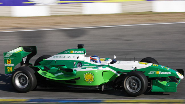 Martin dalla pole alla vittoria in gara 1