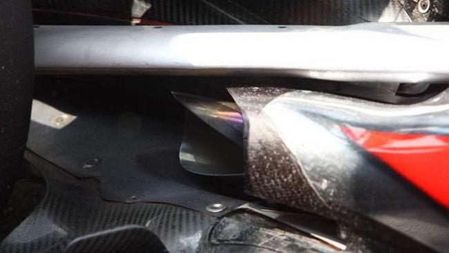 Alla McLaren gli scarichi bassi ora funzionano