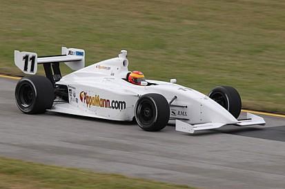 Pippa Mann torna in pole al Kentucky Speedway