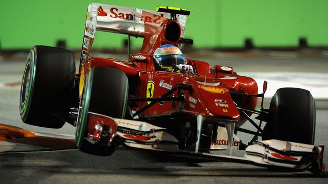 Alonso cala il poker a Singapore!