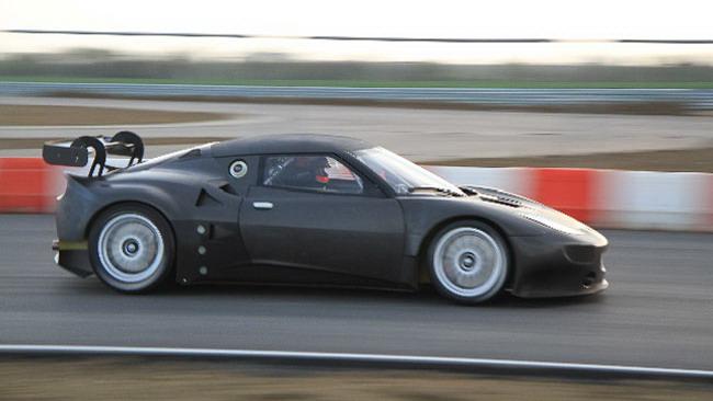 Primi test per la Lotus Evora GT2