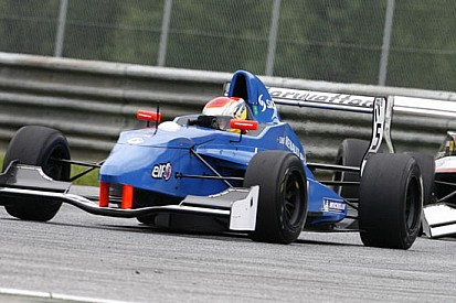 Il rookie Timmy Hansen si impone in gara 2