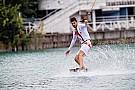Alguersuari e Buemi si danno al wakeboard