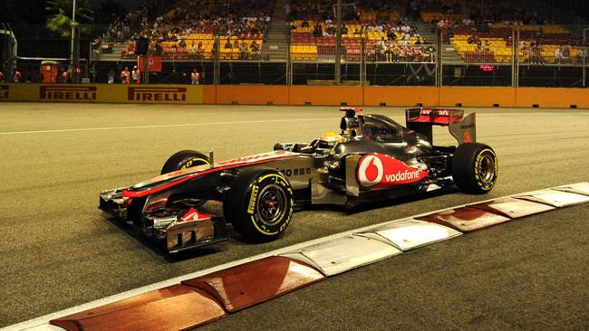 Hamilton puntava alla prima fila