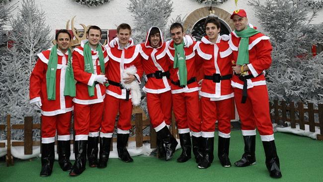 Alonso e Massa Babbi Natale a Fiorano