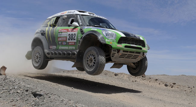 Peterhansel regala la Dakar 2012 alla Mini