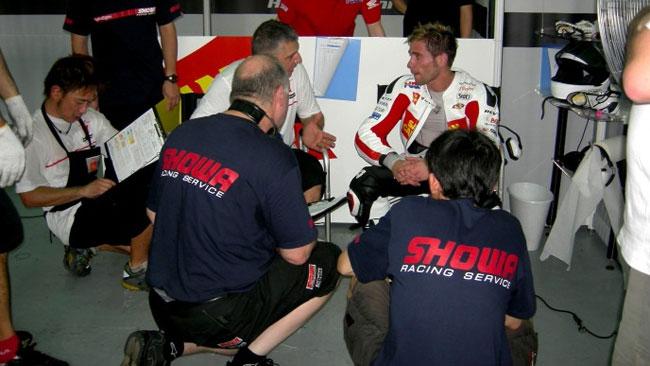 Showa si lega la Team Gresini per il 2012