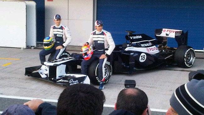 Prime foto per la Williams F34