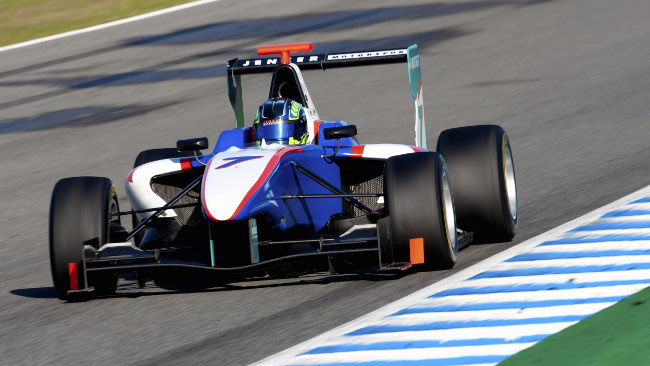 Robert Visoiu firma con la Jenzer Motorsport