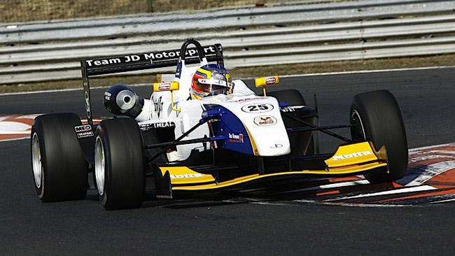 La European Series scatta con 10 piloti in pista