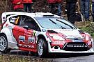 Novikov tratta per una vettura ufficiale nel 2013