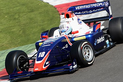 Alex Fontana si presenta con un doppio podio