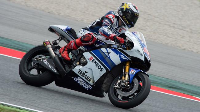 Il nuovo motore Yamaha non convince troppo Lorenzo