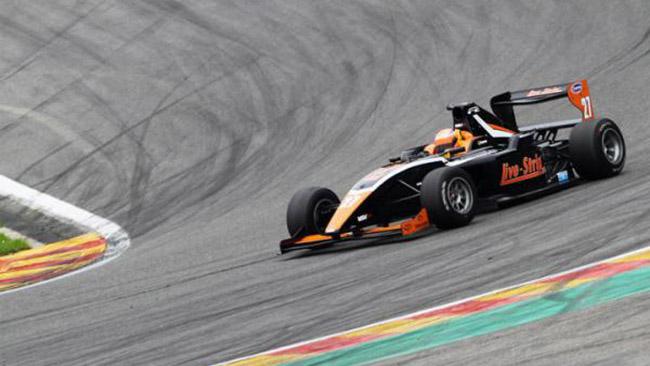 Markus Pommer domina Gara 1