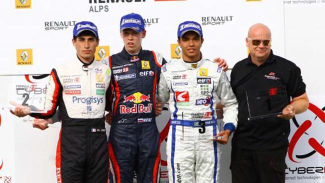 Daniil Kvyat torna a vincere in Gara 1