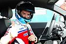 BMW prova a strappare Carlos Checa alla Ducati