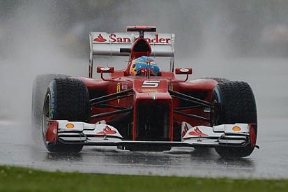 Alonso riporta la Ferrari in pole nel diluvio!