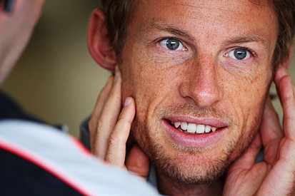 Button spende 41.000 sterline in un Ducati Store