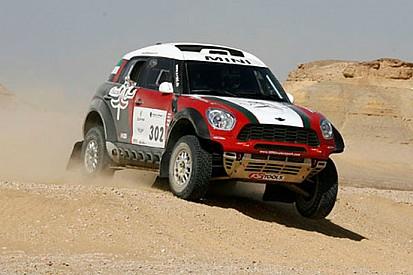 Pharaons Rally: Al-Mutawei festeggia tra le auto
