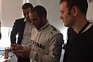 Prima foto con la tuta Mercedes per Lewis Hamilton