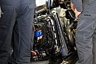 Sauber C32: i radiatori sono montati a ventaglio!