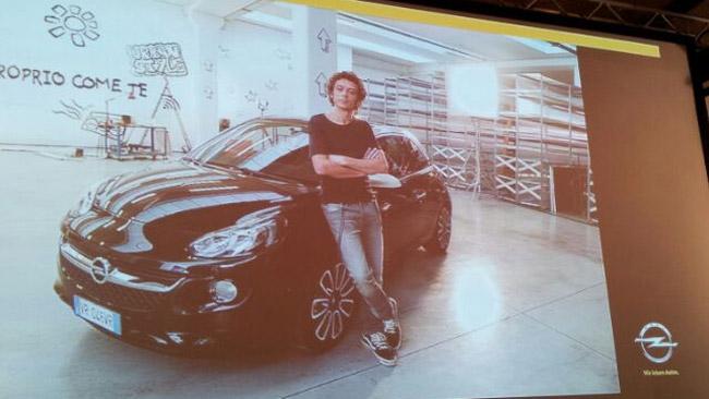 Valentino Rossi nuovo testimonial dell'Opel Adam