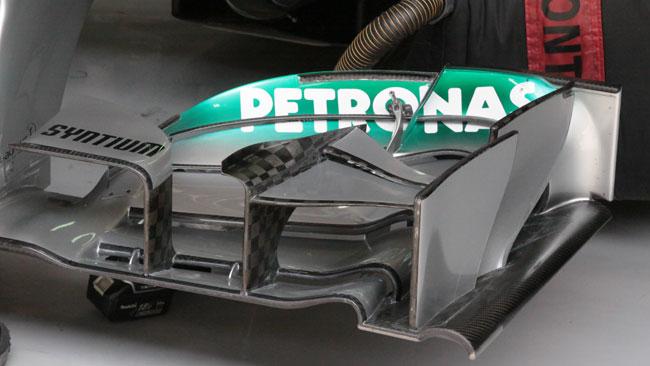 Mercedes: cambiano gli upper flap con il nolder