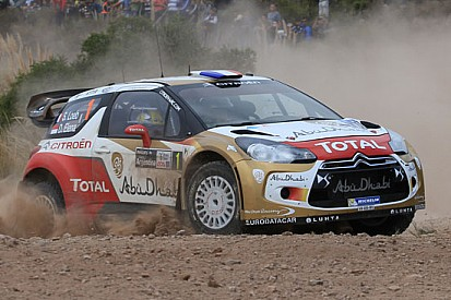 Argentina, PS8-9: Ogier fora, Loeb prova a scappare
