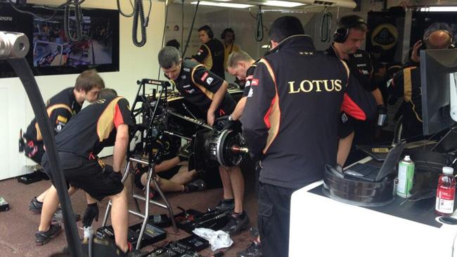 La Lotus sta lottando contro il tempo...