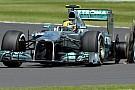 Hamilton e Perez attaccano duramente la Pirelli