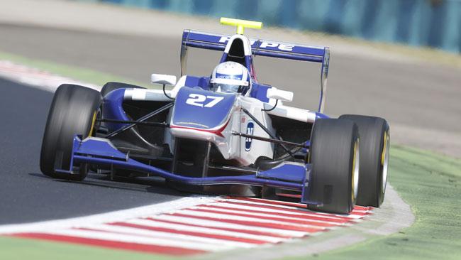 Aaro Vainio si impone in gara 1 a Budapest