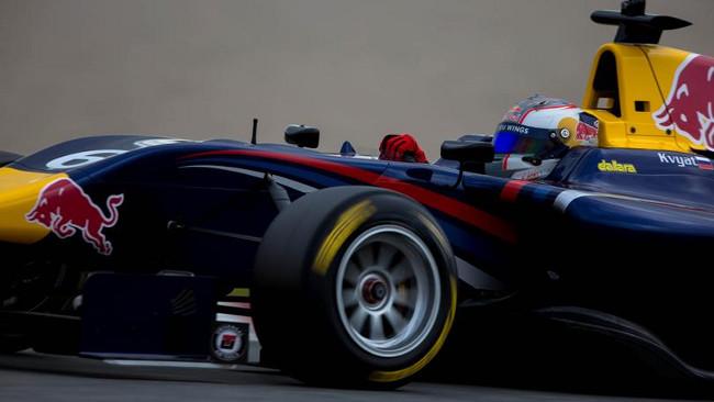 Kvyat domina Gara 1 a Monza