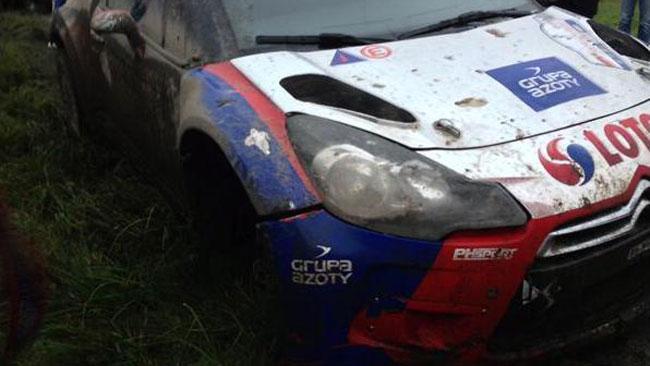 Polonia, PS7: Kubica sbatte e finisce su 3 ruote!
