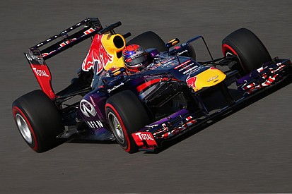 La Red Bull con il soffiaggio degli scarichi asimmetrico