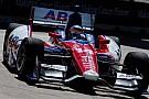 Takuma Sato porta l'AJ Foyt Racing in pole a Houston