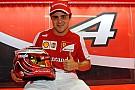 Massa ringrazia la Ferrari con un casco tutto rosso